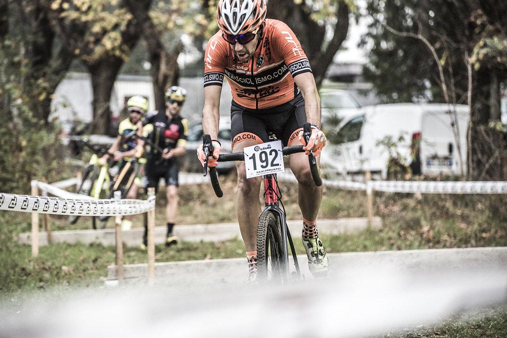 asoggetti-ciclocross-orange-rider.jpg