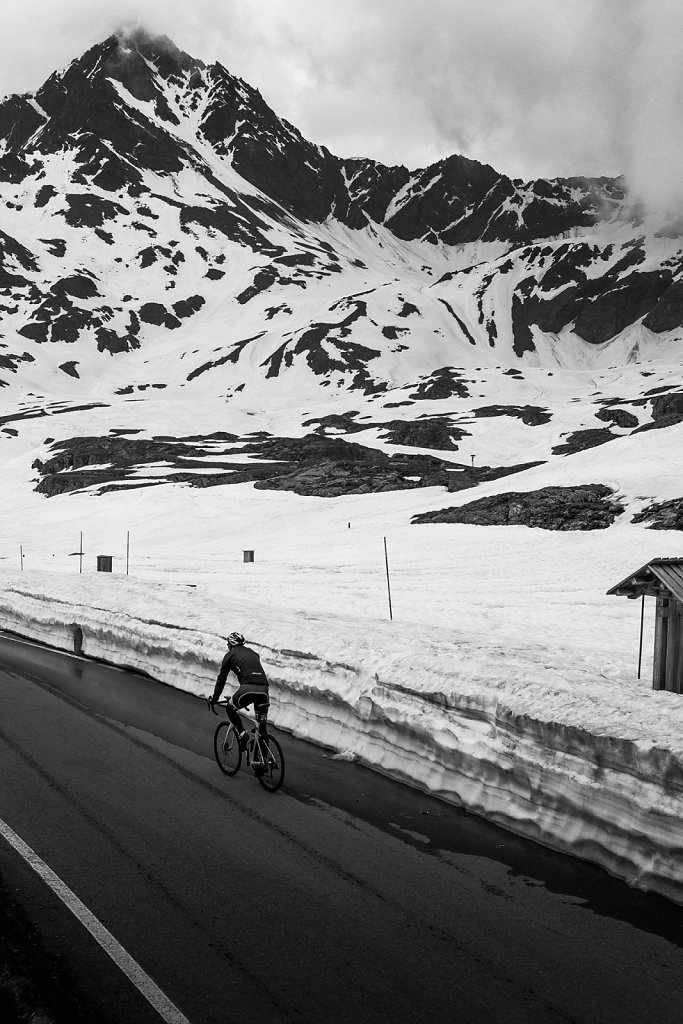 asoggetti-cyclist-gavia-pass.jpg